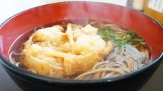 めん処かわべの天ぷらうどん