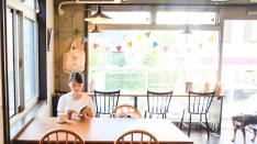 【cafe & bag chuff】ギャラリー&シネマをオープン