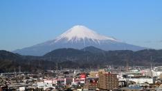 初日の出と富士山を展望ロビーから(^^)