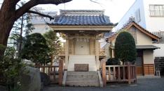 浅間通りの赤鳥居からスグの神社(^^)